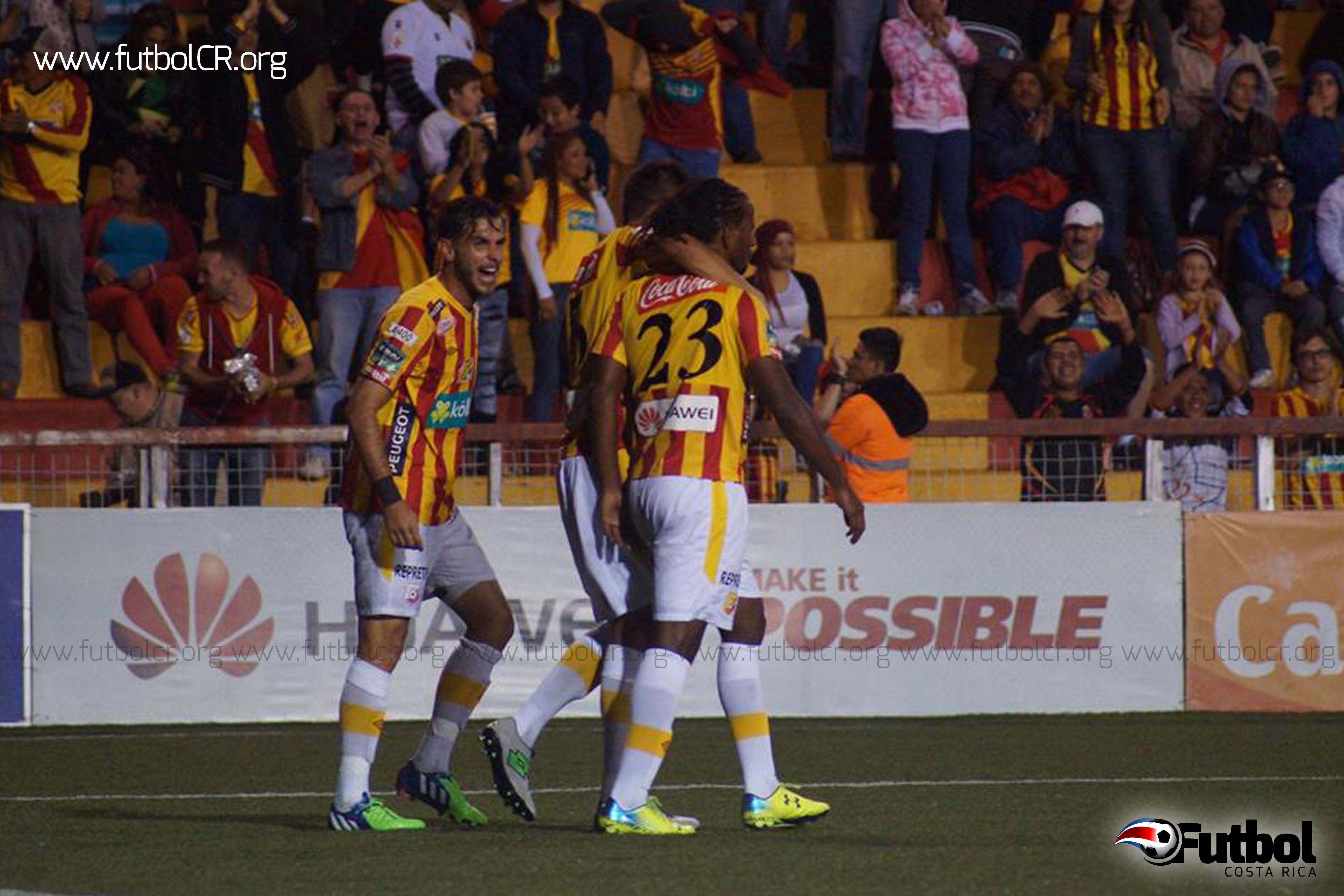 Cuatro tantos le aseguraron el segundo lugar en la tabla de posiciones a los florenses. Fotografía de Adrián Escalante para Fútbol Costa Rica.